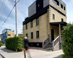 My Houzz: Rooftop Retreat Addition in Toronto transitional-exterior