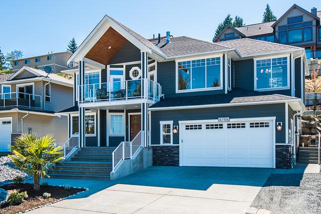 Nanaimo - Bradbury traditional-exterior
