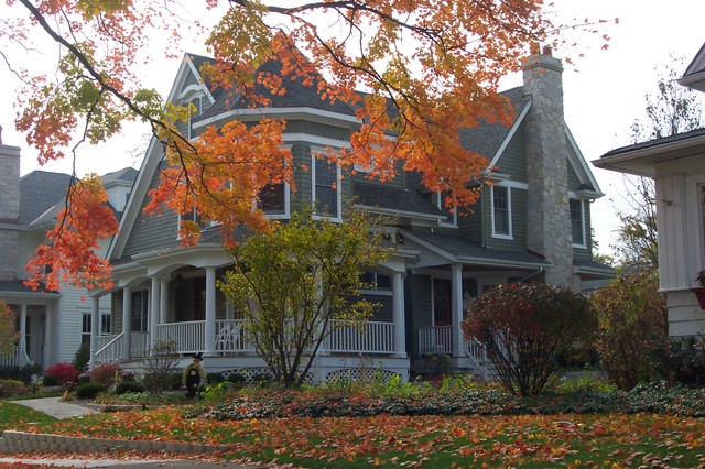 Nantucket Cottage traditional-exterior