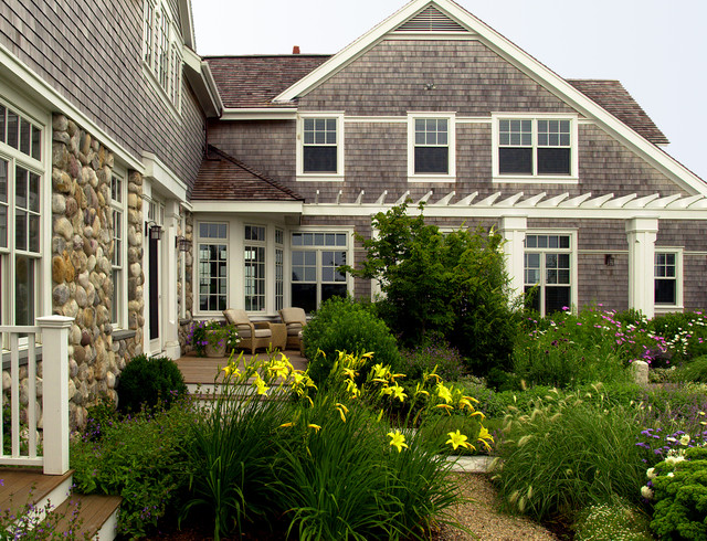 Nantucket residence exterior side garden victorian for Nantucket shingles