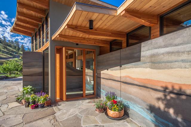 Naramata Bench House Rammed Earth Wall At Entry