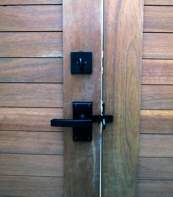 Nero Contemporary Gate Latch With Square Deadbolt
