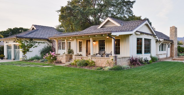New california ranch for Board and batten ranch house