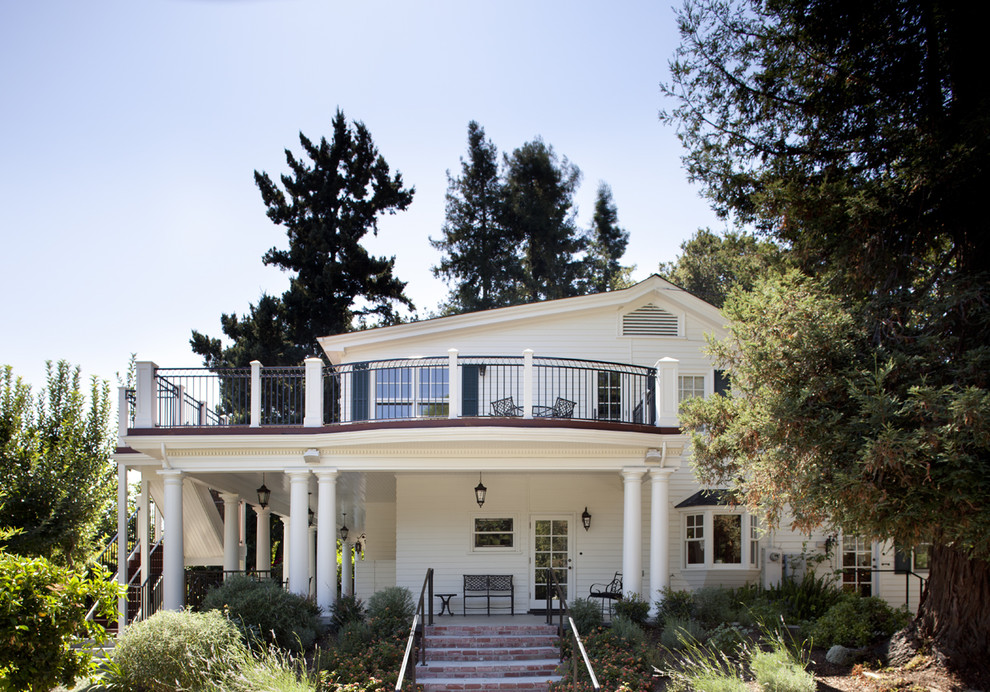 Example of a classic exterior home design in San Francisco