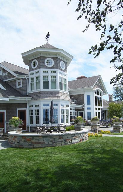 New England Shingle Style Vacation Cottage On Lake Michigan