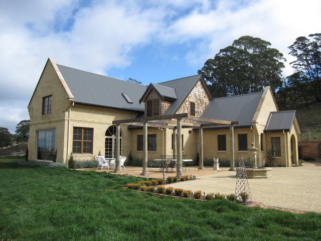 New Grand Home In Bowral Traditional Exterior Sydney By Kathy Barnsley Architect