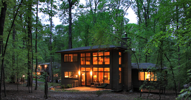 New Guest House in Great Falls, VA contemporary-exterior