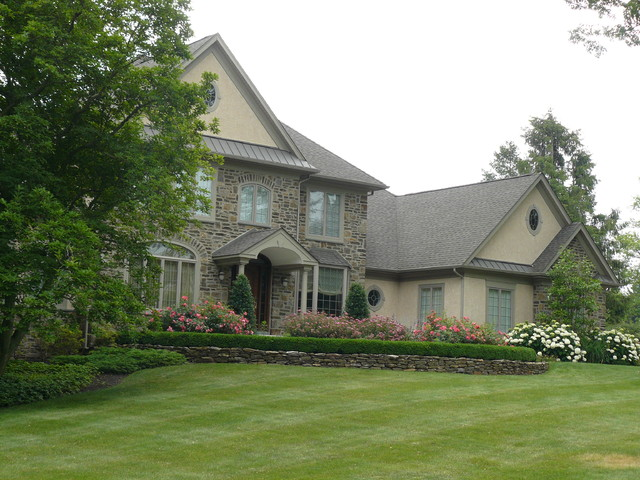 New Landscape Huntingdon Valley, Pa traditional-exterior