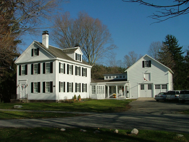 New Link Between Historic House And Barn Victorian