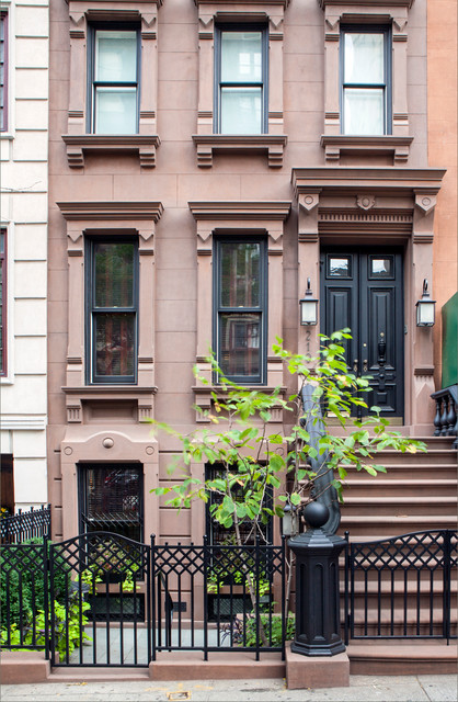 New york upper east side townhouse traditional for Modern townhouse exterior