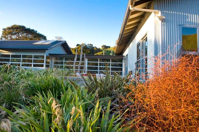 New Zealand Country Retreat Contemporary Exterior