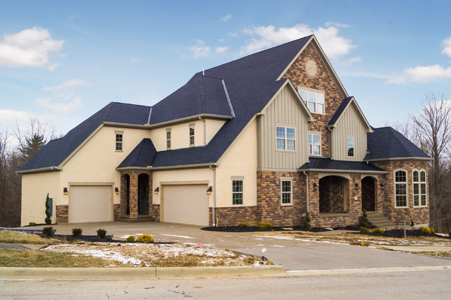 Inspiration for a transitional exterior home remodel in Columbus