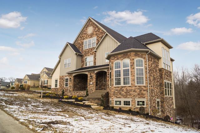 Transitional exterior home idea in Columbus