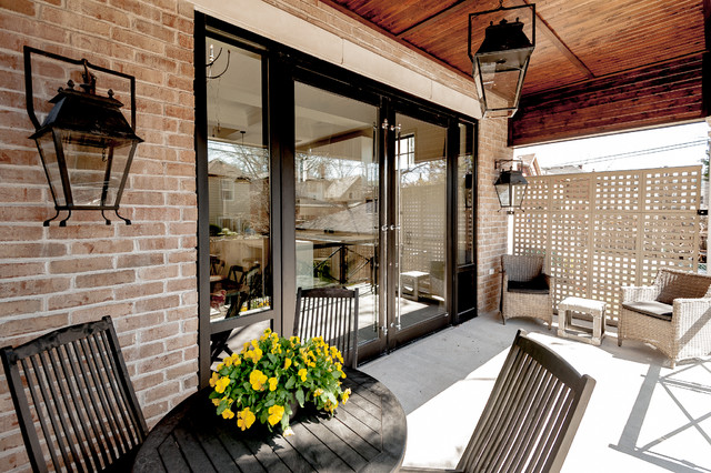 Transitional exterior home idea in Toronto