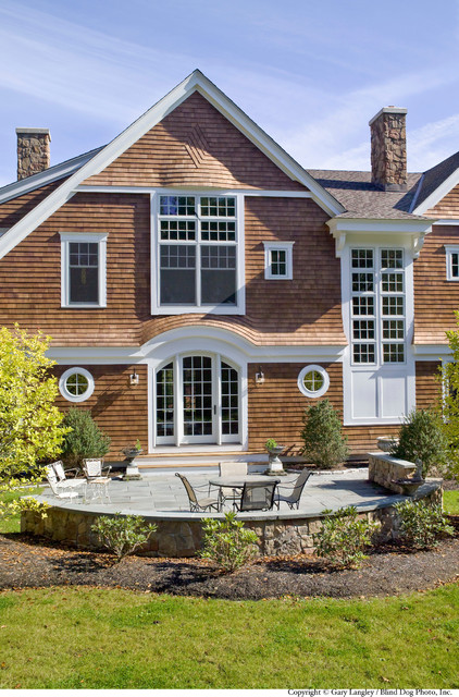 North Shore Home traditional-exterior