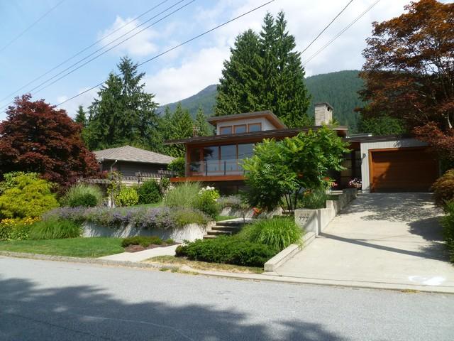 North Vancouver - Landscape Design transitional-exterior