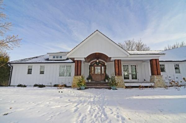 Oak Lake Residence