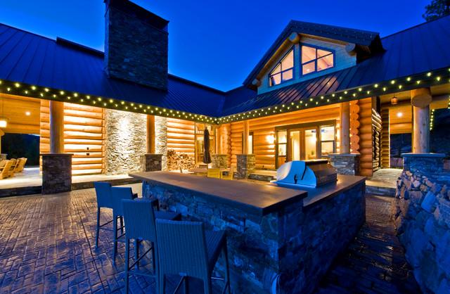 Okanagan Log Home rustic-exterior