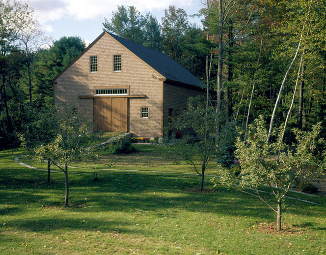 Old Fashioned Timber Frame Barn Rustic Exterior  : rustic exterior from www.houzz.com size 640 x 502 jpeg 169kB