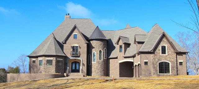Old hickory lake house lebanon tn klassisk fasad for Custom home builders lebanon tn