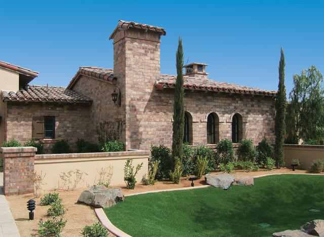 Old world wirecut brick home exterior coronado stone for Mediterranean stone houses