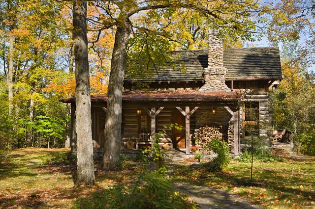 Ontario Guest Cabin traditional-exterior