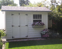 Outdoor garden shed traditional-exterior