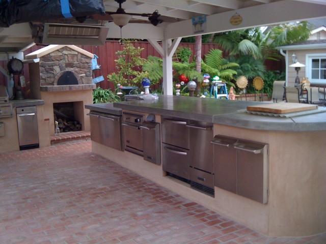 Outdoor Kitchen and Pergola beach-style-exterior