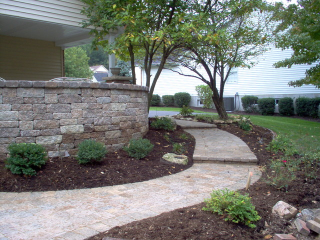 Outdoor Landscaping & Patio Ideas traditional-exterior