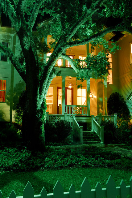 Outdoor Lighting traditional-exterior