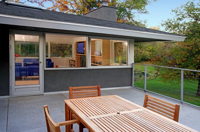 Outdoor Living Area midcentury-exterior