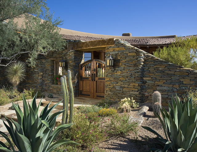 Outdoor living southwestern-exterior
