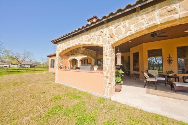 Outdoor Living mediterranean-exterior