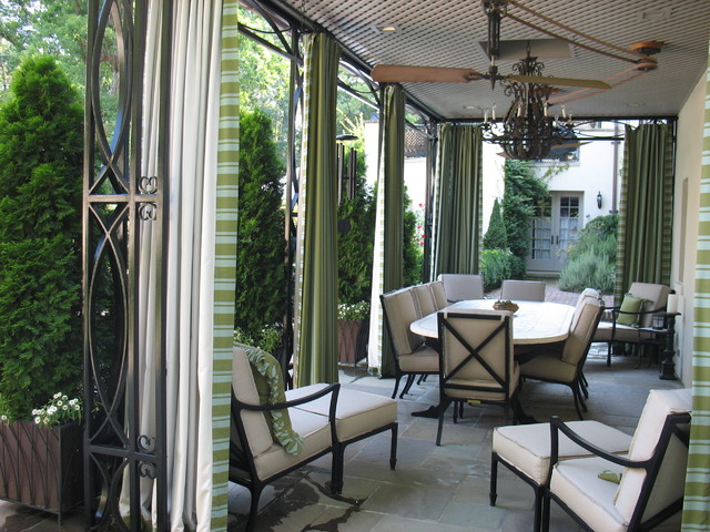 outdoor living room traditional-exterior