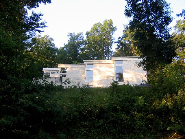 outside leesburg house modern-exterior