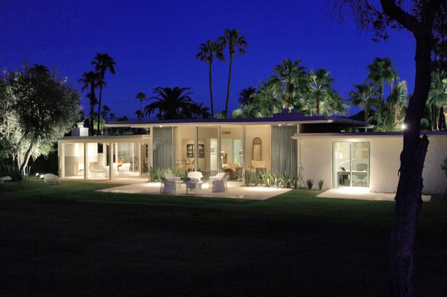 Palm Springs Modern midcentury-exterior