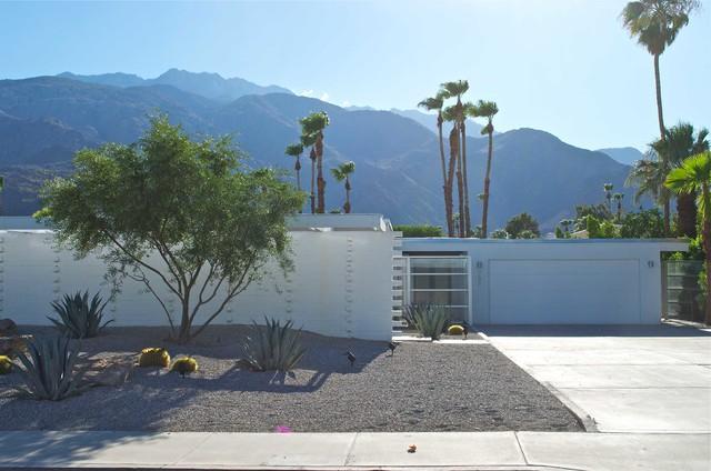 Palm springs wexler redesign contemporary exterior for Redesign your home exterior