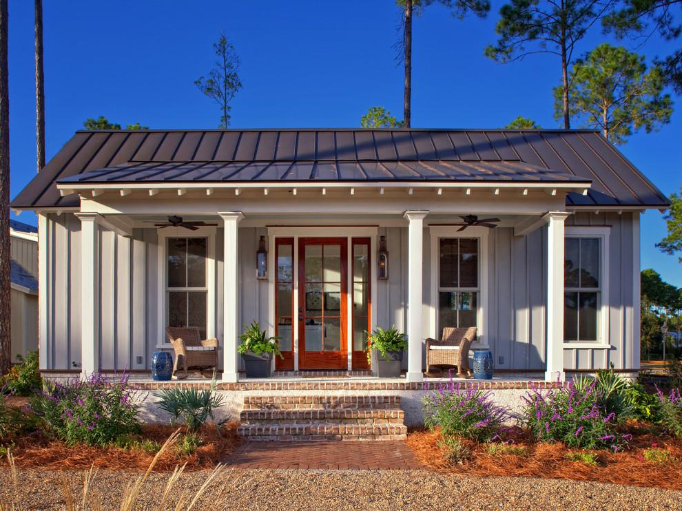 Mid-sized farmhouse gray one-story concrete fiberboard exterior home idea in Atlanta