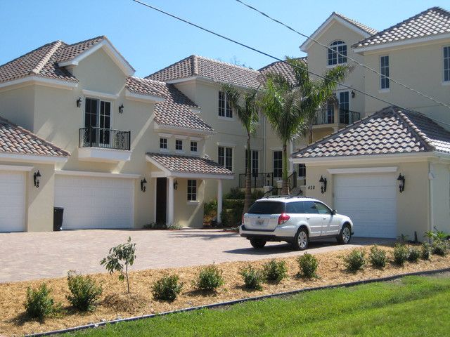 Palmetto Crescent traditional-exterior