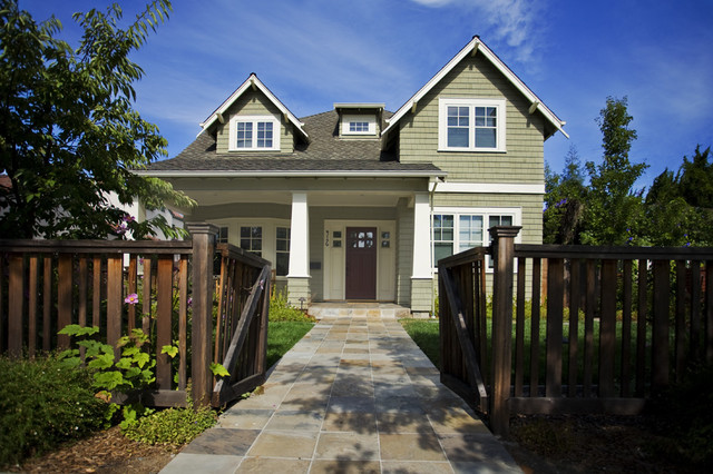 Craftsman Exterior by Noel Cross+Architects