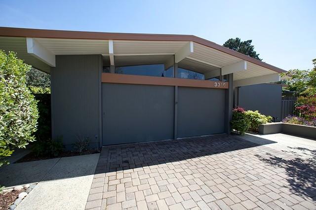 Palo alto eichler bathroom and exterior painting for Eichler paint colors