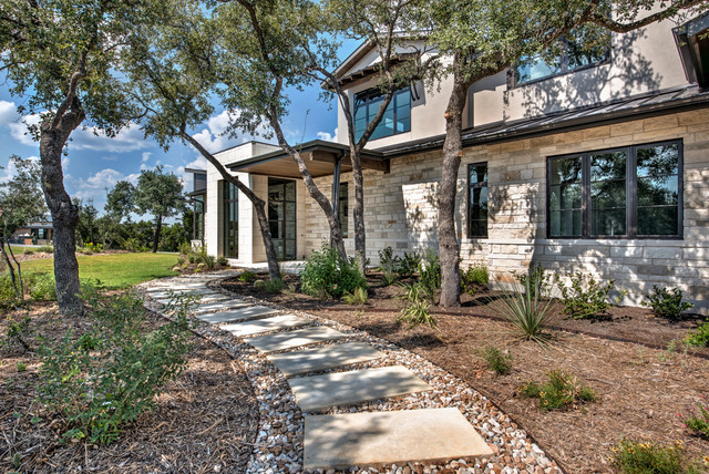 Parismina contemporary exterior austin by charles for Martin wade landscape architects