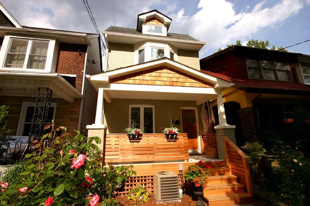 Elegant exterior home photo in Toronto
