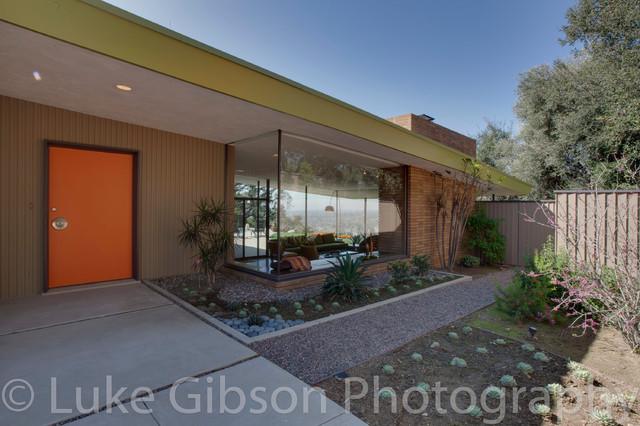 Pasadena Mid-Century Modern midcentury-exterior