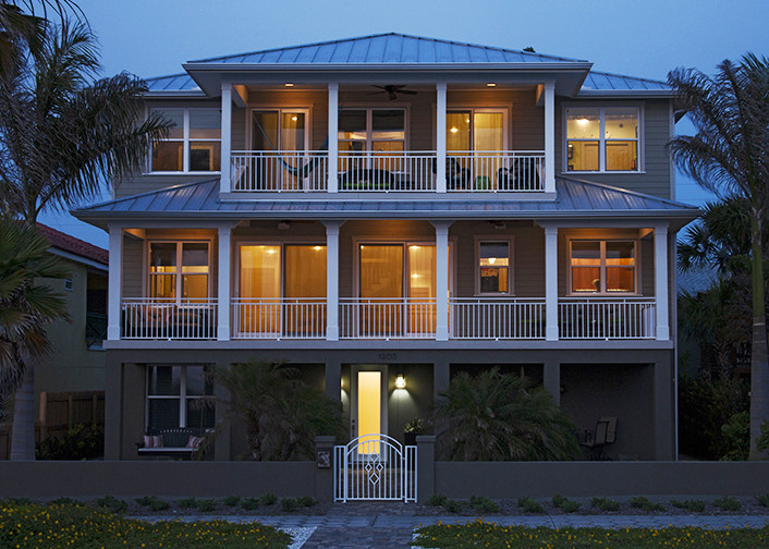 Beach style exterior home photo in Tampa