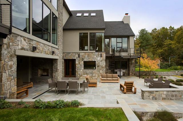 Patio traditional-exterior