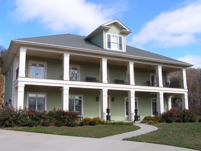 Plantation style front elevation traditional-exterior