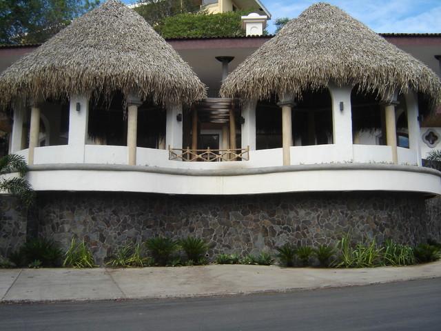 Plaza Flamingo, Guanacaste. Costa Rica tropical-exterior