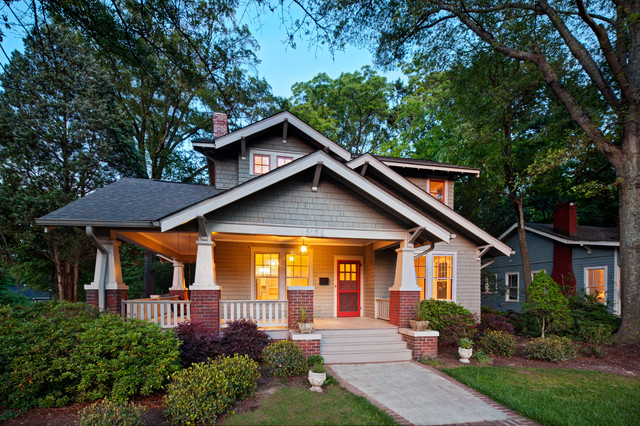 Example Of An Arts And Crafts Brown Exterior Home Design In Charlotte