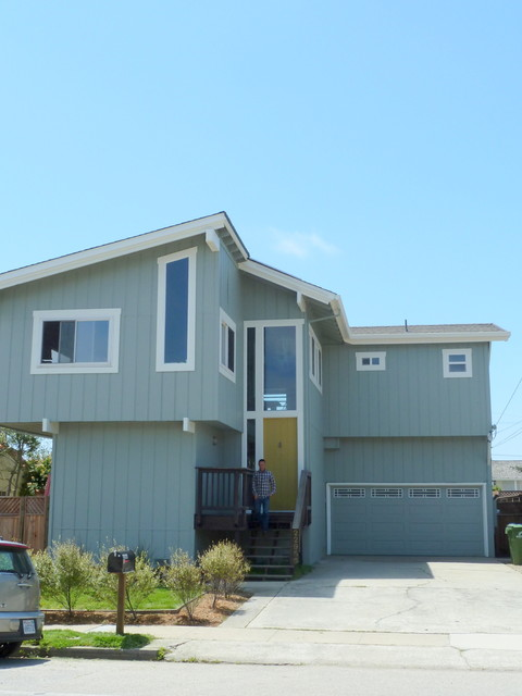 Pleasure Point Beach House modern-exterior